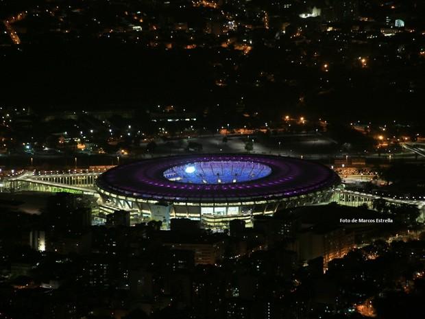 Maracanã com as cores do Outubro Rosa (Foto: Marcos Estrella/Globo)