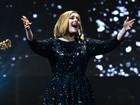 Adele vai interromper a carreira por 5 anos para cuidar do filho, diz jornal