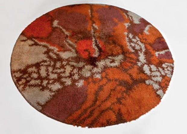 Tapete de lã (anos 1970) executado pela Manufatura Santa Helena, na Passado Composto Século XX, R$ 15 mil (Foto: Divulgação)