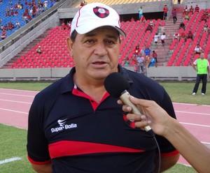 Edson Porto fala antes de jogo contra River, no Castelão (Foto: Zeca Soares)