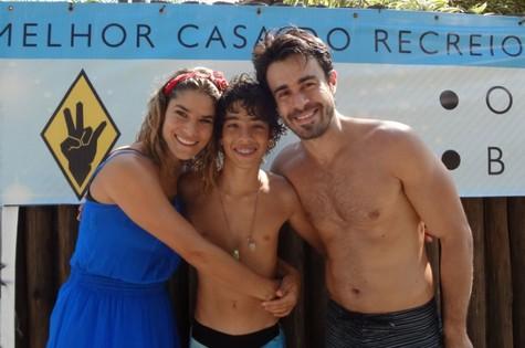 Priscila Fantin com Matheus Costa e Erom Cordeiro (Foto: Divulgação)