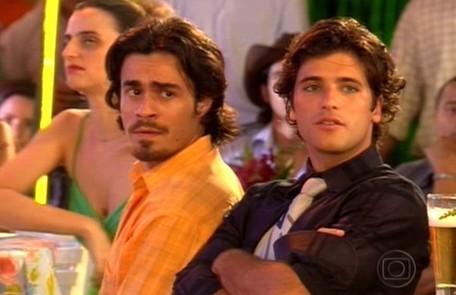 Erom Cordeiro (Zeca) e Gagliasso (Júnior) eram homossexuais em 'America' (2005) Reprodução da internet