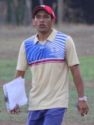 Macedo, auxiliar técnico do Piauí (Foto: Wenner Tito )
