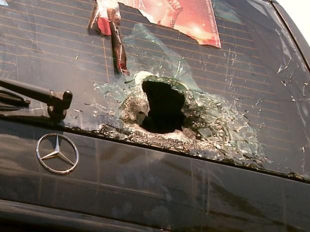 Carro usado pela quadrilha em Aguaí era adaptado para possíveis confrontos com a polícia (Foto: Paulo Chiari / EPTV)