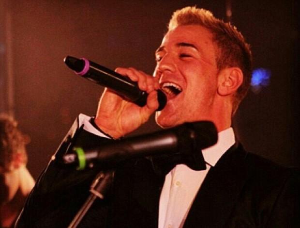 Joe Hart cantou durante o evento (Foto: Reprodução/Daily Mail)