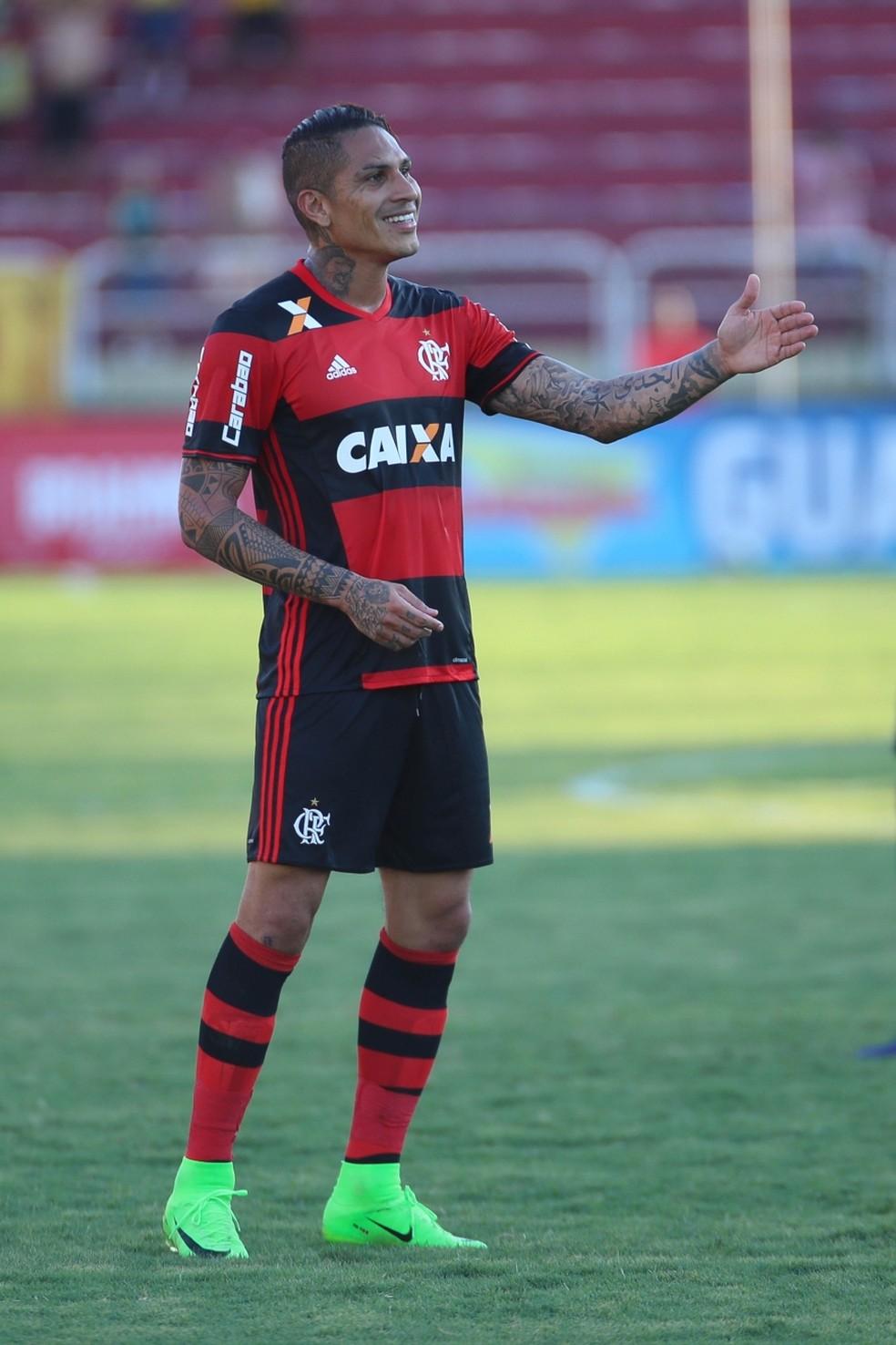 Guerrero versão 2017: mais solto e em casa no Flamengo (Foto: Gilvan de Souza/Divulgação Flamengo)
