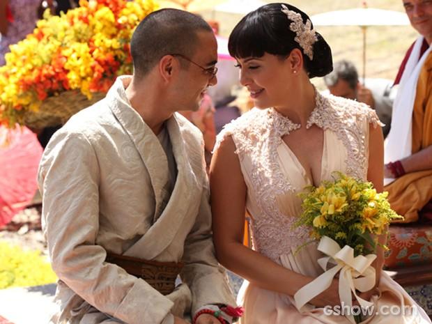 Pombinhos! Sonan e Matilde celembram união (Foto: Carol Caminha/TV Globo)