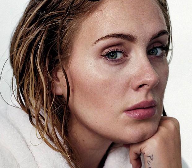 Adele sem maquiagem (Foto: Reprodução)