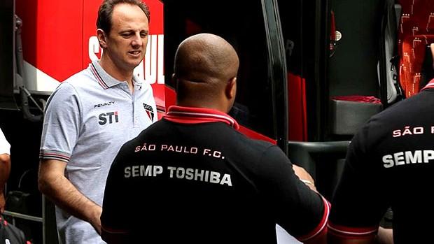 Rogéri Ceni viagem São Paulo Bolívia (Foto: Rubens Chiri / saopaulofc.net)