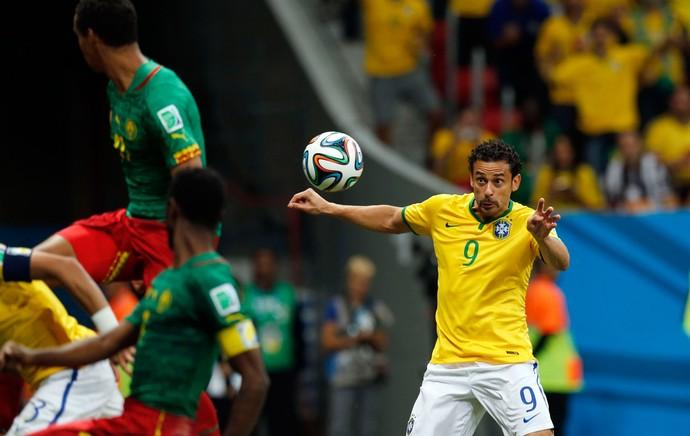 Fred gol Brasil x Camarões (Foto: Jefferson Bernardes / VIPCOMM)