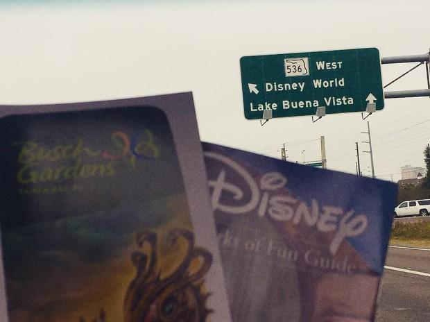 Sabrina Petraglia faz post na Disney (Foto: Instagram / Reprodução)