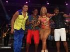 Carla Perez relembra tempos de dançarina em show do marido
