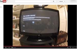 Usuário do YouTube mostra Xbox One entregue antecipadamente sendo banido pela Microsoft (Foto: Reprodução/YouTube/scotth0531)
