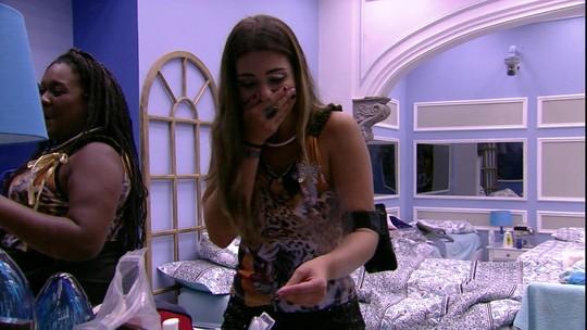 Roberta e Vivian riem do ronco de Marcos e dizem sobre Emilly: 'Deve estar com muito sono'