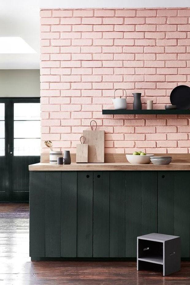 Décor do dia: cozinha com tijolinho cor de rosa (Foto: Reprodução)
