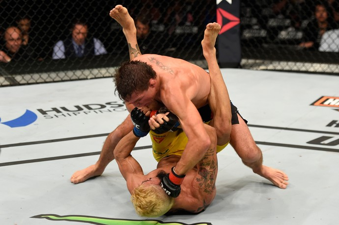 Darren Elkins x Godofredo Pepey UFC Chicago (Foto: Getty Images)