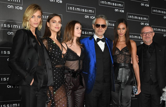 Intimissimi On Ice 2016 (Foto: Intimissimi On Ice Anja Rubik, Irina Shayk, Barbara Palvin, Andrea Bocelli, Joan Smalls, Sandro Veronesi (dono do grupo Calzedonia))