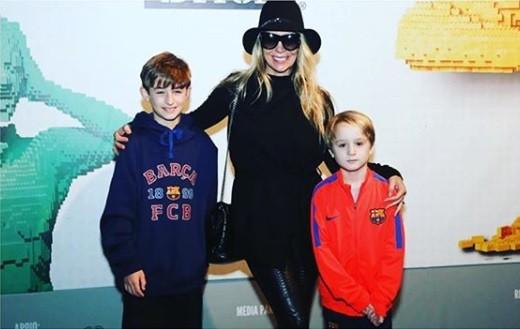 Danielle Winits e os filhos (Foto: Reprodução / Instagram)