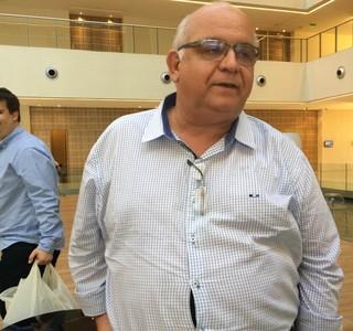 Presidente Romilldo Bolzan em Assunção, no Paraguai (Foto: Alexandre Lozetti)