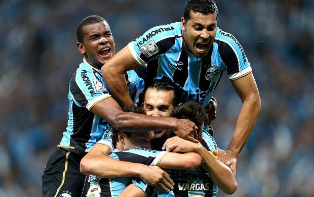 Vargas Grêmio gol Santa Fé Libertadores (Foto: AFP)
