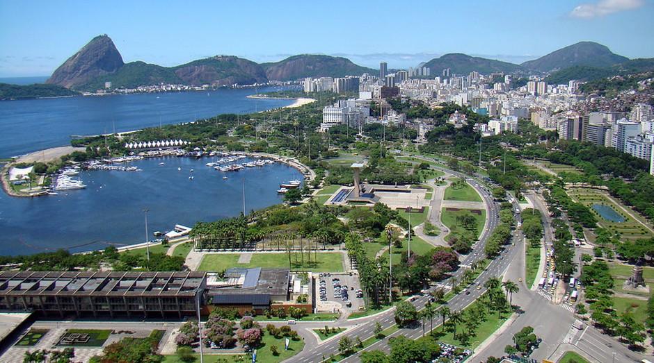 Rio de Janeiro ocupa a 9 ª posição. O aeroporto recebe voos de praticamente todas as partes do mundo. Com um turismo forte, a cidade tem o segundo maior PIB do país: R$ 209 bilhões.  (Foto: WikiCommons)