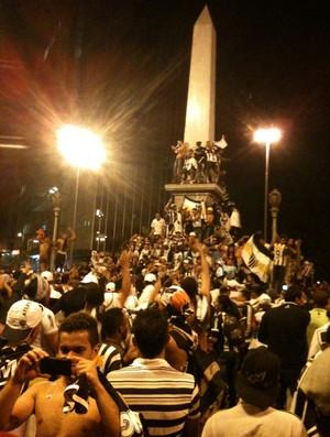 Torcedores lotam a Praça Sete, no centro de BH (Foto: Gabriel Duarte)