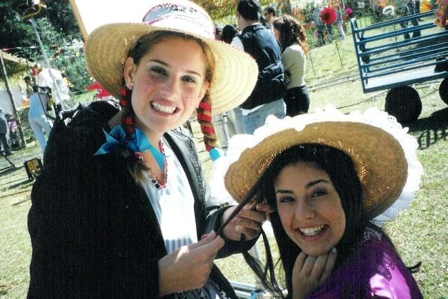 Fernanda Paes Leme e Karina Dohme em Sandy & Jnior (Foto: Acervo Pessoal)