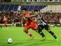 Com Bocão e Luidy, Mazola desenha time do CRB para enfrentar o Bahia
