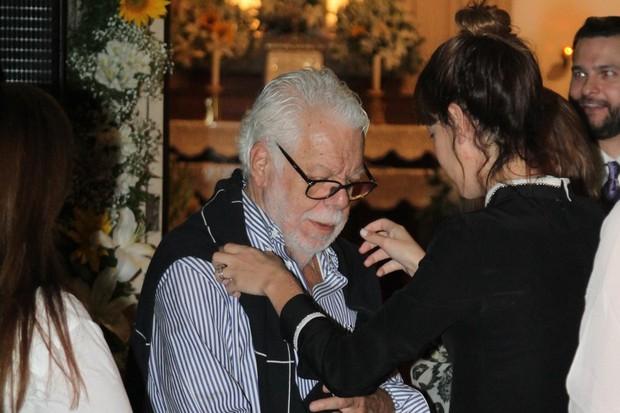Famosos vão a missa de filho do Manoel Carlos, Pedro Almeida (Foto: Anderson Borde  / Agnews)