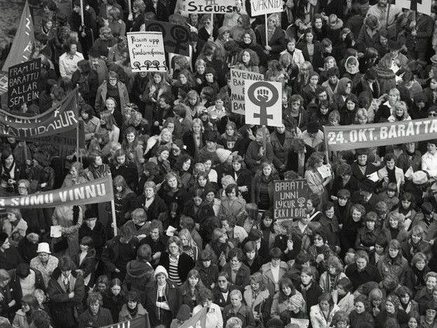 """Ideia de greve foi proposta por movimento radical de mulheres, mas foi adotada amplamente ao ser batizada como """"dia de folga"""" (Foto: Olafur K. Magnusson/BBC)"""