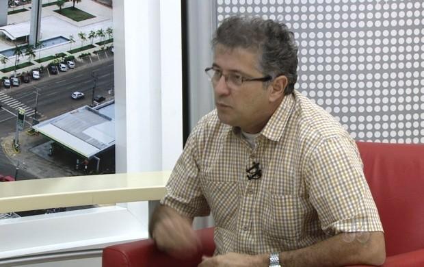 O presidente da CPV tirou dúvidas sobre o processo de inscrição (Foto: Roraima TV)