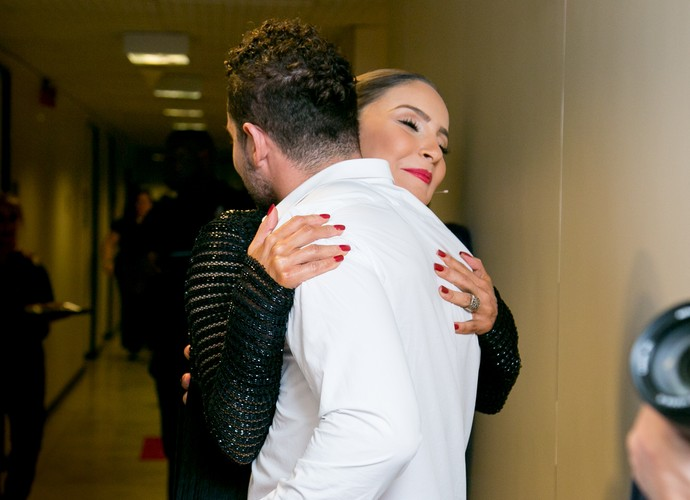 Quem mais queria estar dentro desse abraço? \\\o/// (Foto: Isabella Pinheiro / Gshow)