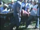 Piloto de helicóptero que caiu em lago passa por cirurgia em Bauru, SP