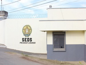 Detentos fugiram do presídio Floramar em Divinópolis (Foto: Christyam de Lima/ Divulgação)