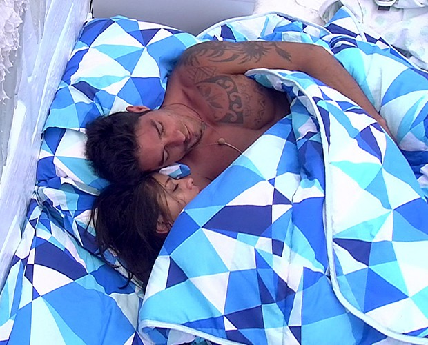 Diego Franciele dormindo (Foto: BBB / TV Globo)