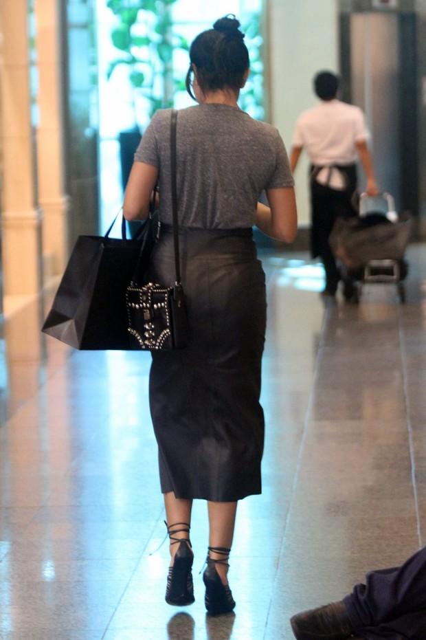 Juliana Paes em shopping no Rio (Foto: Marcos Ferreira/PhotoRioNews)