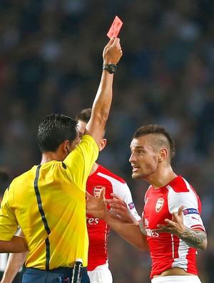 Mathieu Debuchy, Arsenal X Besiktas (Foto: Agência Reuters)