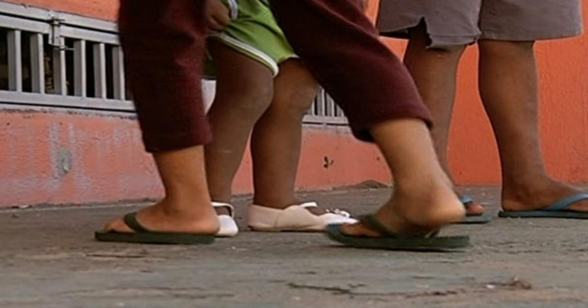 Polícia investiga casal suspeito de abandonar 6 filhos menores em ... - Globo.com