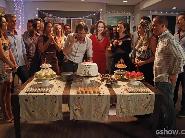 Mesmo sem aniversáriante, festa da Pri foi um sucesso! A decoração foi um item a parte. Moderna e linda, como a ruiva (Foto: Carol Caminha/TV Globo)