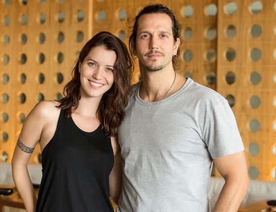Nathalia Dill e Vladimir Brichta contracenam juntos na novela Rock Story (Foto: Gshow)