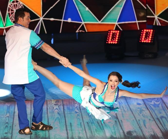 A participante rodou e rodou no palco do 'Domingão' (Foto: Carol Caminha/Gshow)