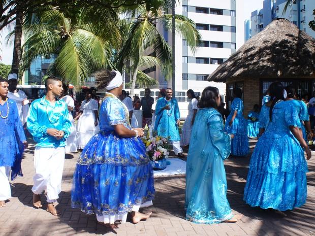 Vários caravanas de grupos religiosos chegaram de diversas partes do estado para acompanhar de perto os rituais (Foto: Naftali de Oliveira/G1)