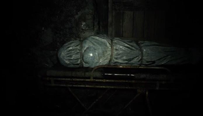 Pistas no caderno em branco indicam caminho a seguir na demo de Resident Evil 7 (Foto: Reprodução/Felipe Demartini)