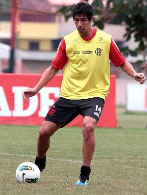Caceres, Flamengo (Foto: Fernando Azevedo / Fla Imagem)