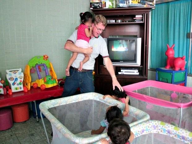 Mudança de local para atender mais crianças está nos planos da administração do abrigo (Foto: Camila Henriques/G1 AM)