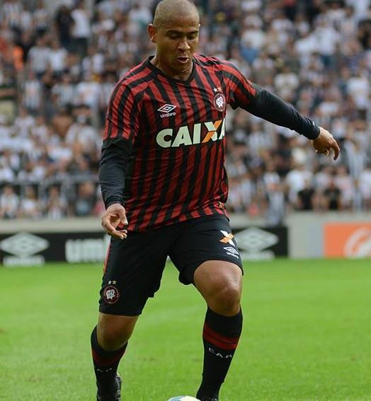 quem  joga? (Site oficial do Atlético-PR/Marco Oliveira)
