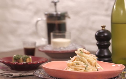 Macarrão com salmão defumado: receita da Rita Lobo