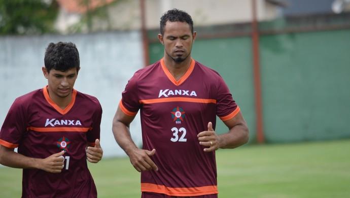 Goleiro Bruno Fernandes treina no Boa Esporte (Foto: Régis Melo)