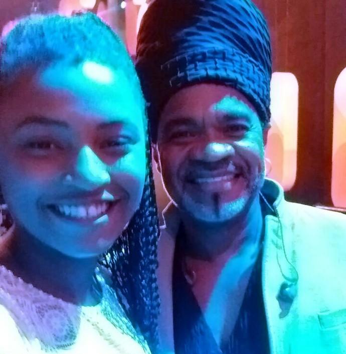 Malu ficou muito feliz por rever o ex-técnico do The Voice Kids, Carlinhos Brown (Foto: Arquivo pessoal)