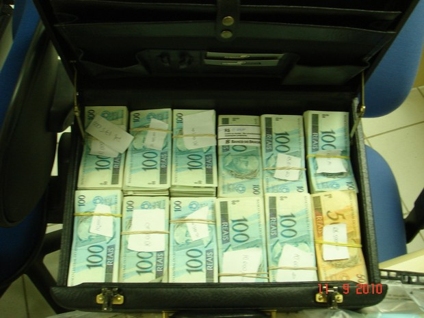Malas de dinheiro eram usadas para guardar cédulas (Foto: Divulgação)